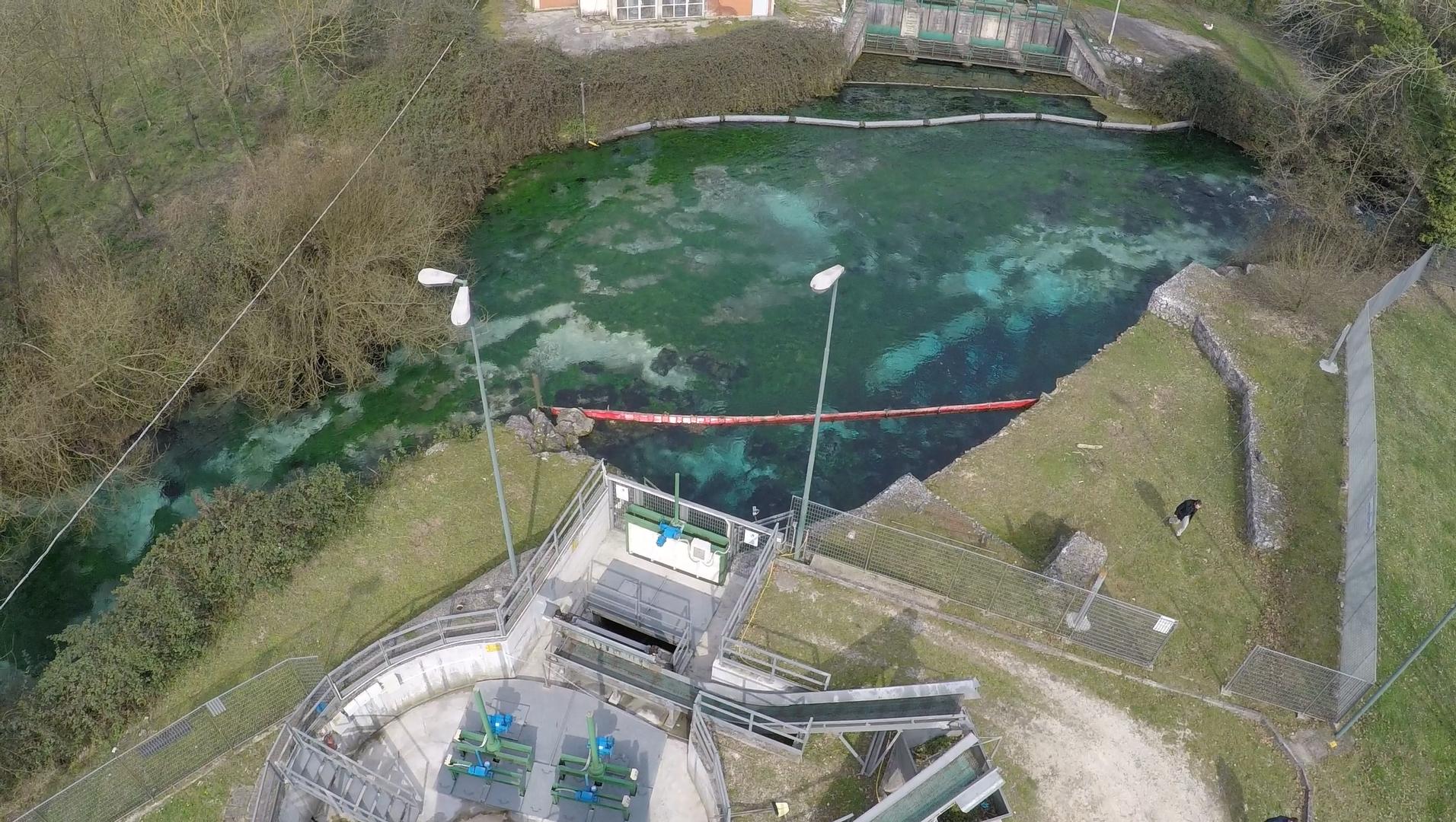 Opera presa fiume Gari - foto drone - 2015